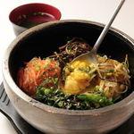 焼肉六甲 - 石焼ピビンパ(スープ付) 900円