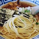 20932214 - 中華そば正油 麺アップw
