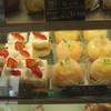 Patisserie La Plume - 料理写真:ショートケーキと桃太郎
