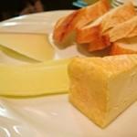 プティ・コトン - チーズ盛り合わせ(2種チョイス)