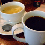果実園 - モーニングセットのコーヒーと105円で追加したスープ