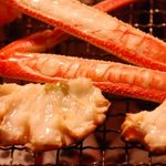 坂本屋 - 新鮮なカニを炭火で焼上げると香ばしさが増しカニ甲羅焼きはかにみその甘みが何ともいえません