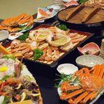 坂本屋 - カニの美味しさや風味を落とさず、素材を厳選したかに料理フルコースに舟盛料理をプラスしたコースです。