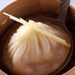 中国薬膳料理 星福 - 汁たっぷり 小龍包