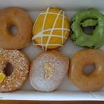 クリスピー・クリーム・ドーナツ - アラカルトで購入した6個のドーナツ