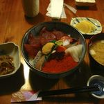 土産土法 さかな亭 - 【海鮮丼…700円】♫2013/8