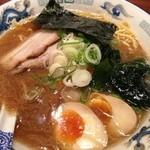 男旭山 - 醤油ラーメン650円  プラス味玉 100円