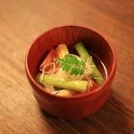 御幸荘花結び - 季節一品 夏野菜蒸し 鯛白子包み アスパラガス ヤングコーン とまと 白髪葱