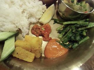 デウラリバッティ - ムラクアチャール、マンゴアチャール、小松菜サブジ