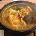 戸田屋 - 料理写真:味噌煮込みうどんかしわ入り900円