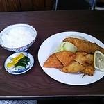 梅月食堂 - ミックスフライ定食