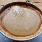 フラットホワイトコーヒーファクトリー - ボウルラテ(豆乳+EX1ショット)