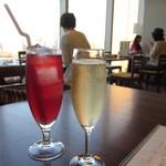 oisuta-ba-jakkupotto - クランベリージュースとスプマンテ