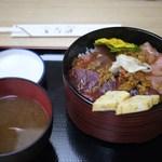 やなぎ寿司 - まぐろ丼 1000円
