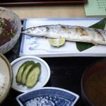 やなぎ寿司 - 初さんま塩焼定食 1300円