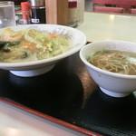 神戸一番 - 中華丼 スープセット530円