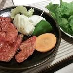 石水亭 - お肉とサンチュ♪