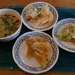 CHAO-THAI - お昼の身にビュッヘの数々