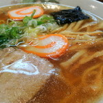 こいしや - 2013年8月30日(金) ラーメン(470円) スープ、具材