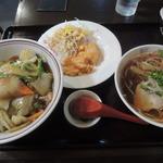 中華料理 アモイ - 【中華丼ラーメンセット@730円】
