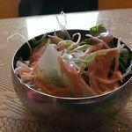 RAJ - ランチに必ず付いてくるサラダです。