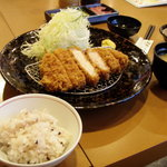 2100112 - 勝富幻豚ロース定食