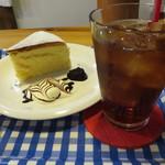 北蔵カフェ ひがの   - スフレチーズケーキとアイスティー