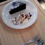 バザール・カフェ - クレージーチョコケーキ