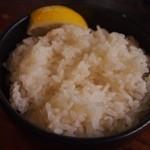 奥芝商店 - ご飯にはお好みでレモンを絞りましょう