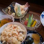 麺 銀三 - 炊き込みご飯