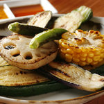 鉄板じゃけん もり - 野菜のミルフィーユをはじめ、野菜料理も充実!