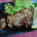楽膳 - 黒豚炭火焼き