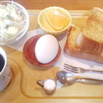 カフェ&ダイニング ブルボン - ブレンドコーヒー&モーニングD(アーモンドバタートースト)