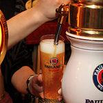 ビリー・バルゥーズ・ビア・バー - 世界各国のビールをお楽しみください☆