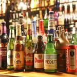 ビリー・バルゥーズ・ビア・バー - 世界各国のビールが130種が大集合!