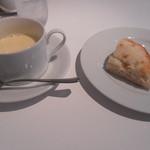 ギンザイルチェントロ - コーンスープとフォカッチャ