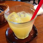 パンと喫茶 松波 - モーニングのオレンジジュース