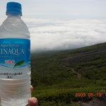 瀬戸館 - ドリンク写真:ペットボトルの水は400円