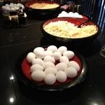 えびす製麺所 - 生卵と揚げ玉はとり放題!
