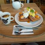 マザーリーフティースタイル - 完熟パインとココナッツのトロピカルワッフル&ディンブラ オレンジ