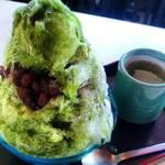 甘太郎 - 温かいお茶も一緒に添えられております。