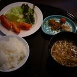 21036869 - ご飯、味噌汁、サラダ、漬物、焼海苔はお代わり自由