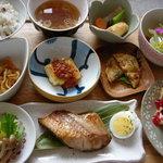 スージークーパー - 料理写真:ある日のおまかせお昼ごはん ¥900