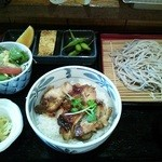 21042353 - 鶏照り焼き丼十割そばセット720円。