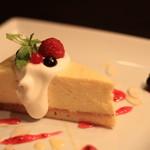 カフェ 仁音 - 大人気のチーズケーキ
