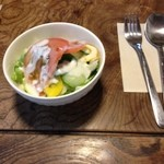 ルームズ - ランチのサラダ