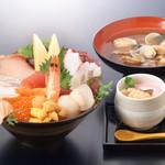 阿波水産 - お昼の海鮮丼定食