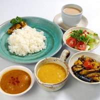 ネパール家庭料理 ホワイトヒマラヤ - ネパリーランチセット