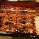 川松 - 料理写真:うな重特 2,700円(肝吸い・お新香付き)