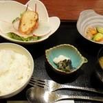 sushinihonryourisawada - 2012.2土鍋煮込みハンバーグ定食